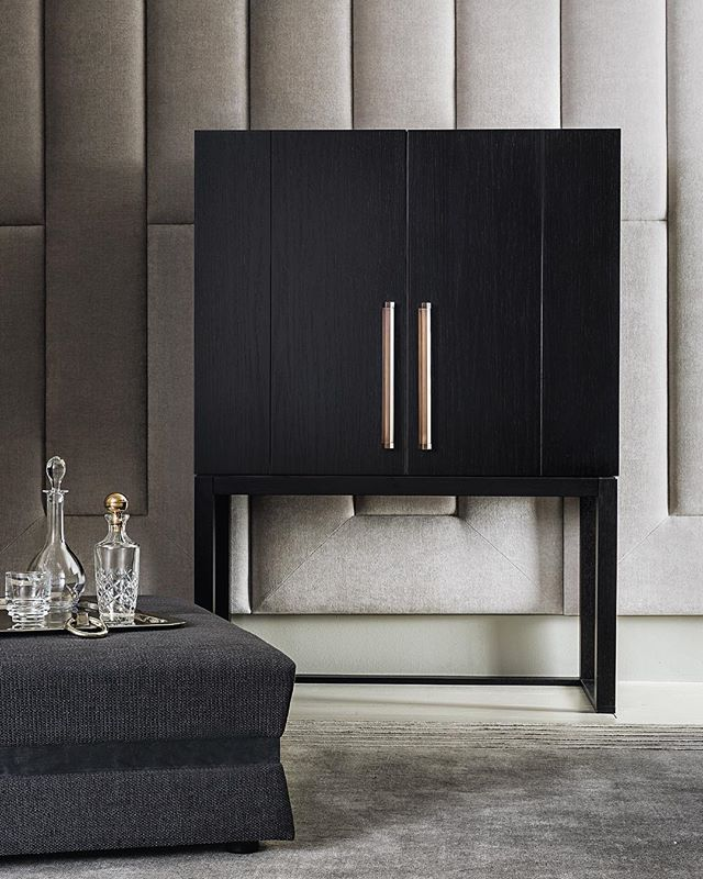 AKI AGENCY: Casamilano Cabinet 'ORLANDO/17' Design Roberto Lazzeroni #akiagency #casamilano #new #collection #salonedelmobile2017 #cabinet #italia #luxury #lxry #showroom #milancentre #architects #interiordesign #instaliving #casamilanodealer #interieurinspiratie #hotelinteriordesign info@akiagency.nl