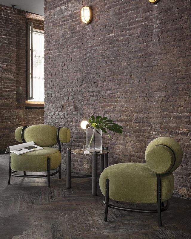 AKI AGENCY | Gebrüder Thonet Vienna 'Chignon' Designer: Lucidipevere 2017#gebruderthonetvienna #gtv #akiagency #chignon #elledecoration #new #model #gtv #interiordesign #italy #original #green #aki #gtvdealer #vosinterieur #newicon #luxury #hotelinterior #restaurantinterior #paris info@akiagency.nl