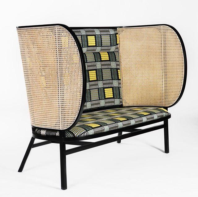 AKI AGENCY | GTV 'Hideout' LoveseatSedie & Poltroncine DESIGNER: FRONT#akiagency #gebruderthonetvienna #gtv #maisonobjet2018 #new #collection #interiordesign #paris #italy #italia #gtvdealer #aki #fabric #quality #original info@akiagency.nl