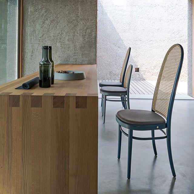 AKI AGENCY   GTV : Morris chair #akiagency #gtv #gebruderthonetvienna #morris #diningchair #restaurantinterior #projectinrichting #gtvdealer #italy #vienna #salonedelmobile2018 #salonedelmobile #interieurarchitect #original #thonetvienna #wood #hotelinterieurs #luxury info@akiagency.nl