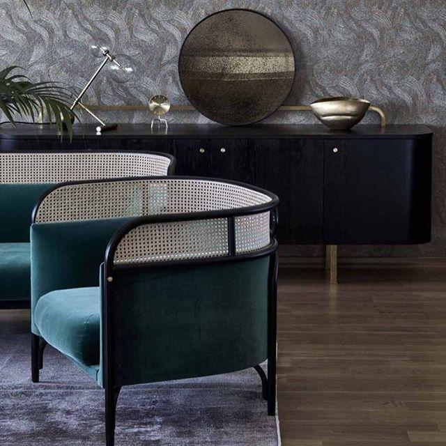 AKI AGENCY | GTV - projects : Royal Box, Służewiec RacetrackWarsaw, Poland Project by: NAP StudioPhoto by: Budzik Studio#gebruederthonetvienna #akiagency #interieurproject #interiorproject #hotelinterieurs #restaurantinterieurs #gtv #targa #sofa #green #interiordesign #lobby #warsaw #poland #vienna #italy #luxury #lxry #projectinrichting #style info@akiagency.nl