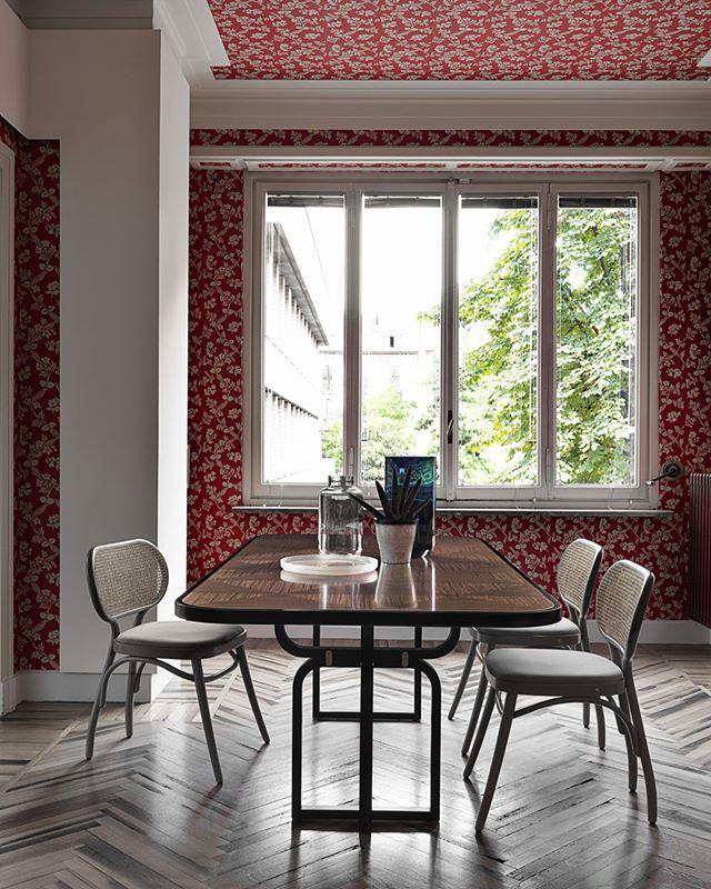AKI | GTV : dining table 'Caryllon Dining' DESIGNER: CRISTINA CELESTINOYEAR: 2018#gtv #aki #newcollection #gebruderthonetvienna #salonedelmobile2018 #diningtable #gtvdealers #projectinrichtering #luxury #handmade #restaurantinterieurs #hotelinterieurs #italy #residencial #torino #vienna #elledecoration #caryllon #bodystuhl #collectiongtv info@akiagency.nl0031-651561603