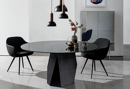 AKI | SOVET : DEOD Table & CADIRA armchair. #aki #Sovet #italia #new #model #salonedelmobile2018 #diningtable #glass #armchair #residence #sovetdealer #interiordesign #interieurarchitect #hotelinterior #restaurantinterieurs #deod #cadira info@akiagency.nl0031-651561603